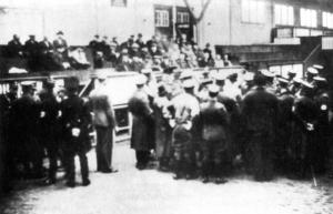 """Am 9. und 10. November 1938 wurden die jüdischen Menschen aus Aurich in der """"Bullenhalle"""" zusammengetrieben und drangsaliert"""