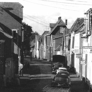 """Die Wallstraße wurde in Aurich auch """"Jödenstraat"""" genannt. Die Aufnahme ist aus den 1950er Jahren."""