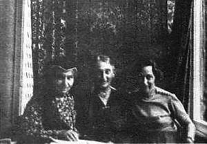 Jenny Fleischer-Alt, ihre Schwester Ilka Gál und ihre Nichte Edith Gál, 1939 15 (v.l.n.r)