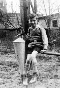 Günter Appel 1931 im Garten Brühl 6