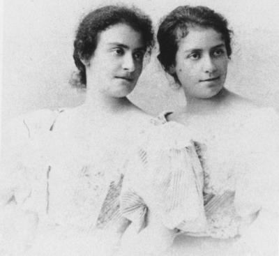 Justine und Emma Mahler